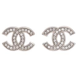 CHANEL香奈兒經典雙C LOGO碎鑽鑲嵌紋路刻印飾編穿式耳環(銀)