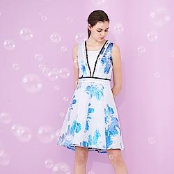 ICHE 衣哲 高雅精緻亮面印花拼接縮腰造型無袖禮服洋裝-藍