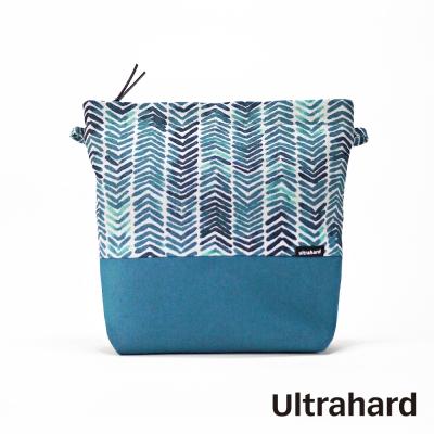 Ultrahard 輕巧斜背包-文字萬花筒(水藍)