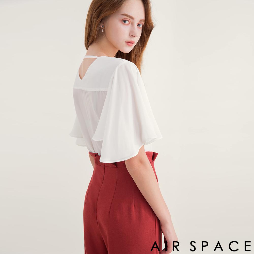 AIR SPACE 後背鏤空荷葉袖雪紡上衣(白)