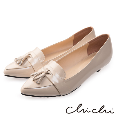 Chichi 簡約時尚 尖頭流蘇漆皮低跟鞋*杏色