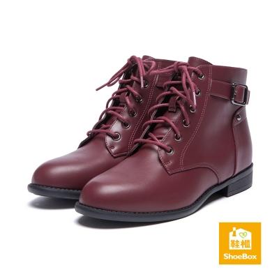鞋櫃ShoeBox-短靴-窄版皮帶扣綁帶平底短靴-酒紅