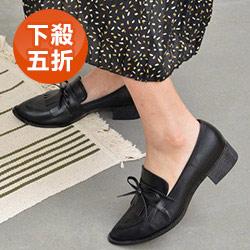 蝶結流蘇尖頭低跟鞋
