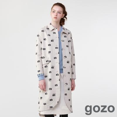 gozo設計師復古塗鴉概念風衣(淺卡其) -動態show