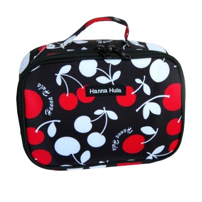 【Hanna Hula 日本】多用途隨身包-裝化妝品/衣物/當媽媽包裝尿片等(櫻桃黑)