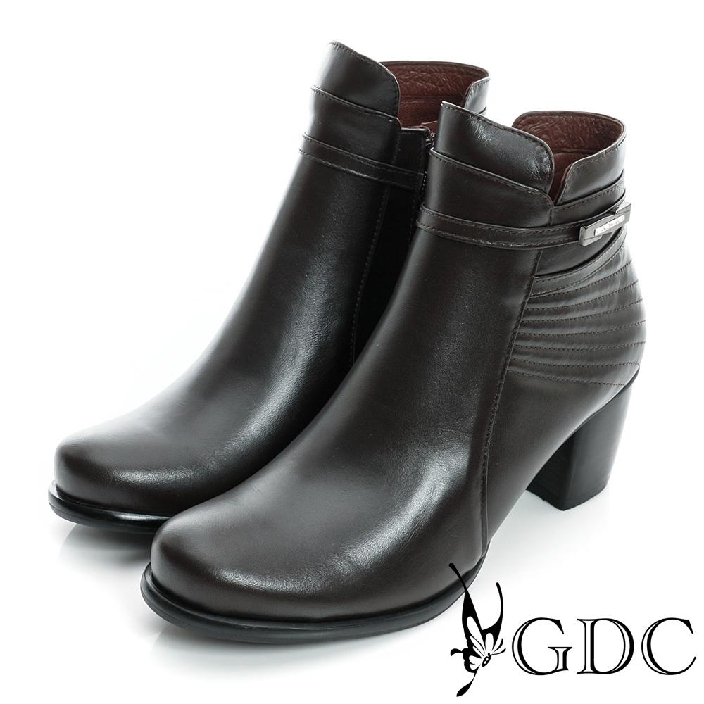 GDC個性-細扣帶金屬飾片真皮粗跟短靴-咖啡色