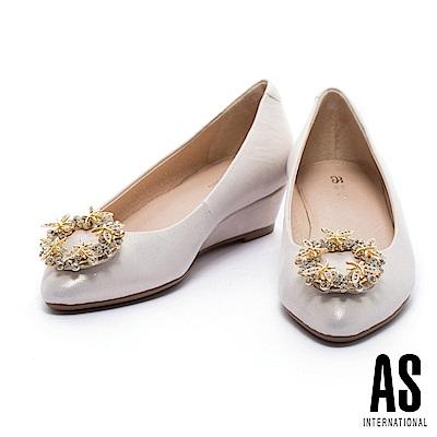 楔型鞋-AS-奢華水鑽圓形釦飾羊皮尖頭楔型鞋-金