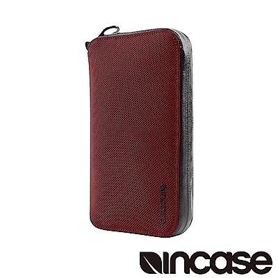 INCASE EO Passport Wallet 防盜科技旅行拉鍊護照夾 (酒紅)
