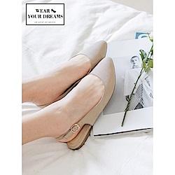 釦環設計仿麂皮尖頭平底鞋-OB大尺碼