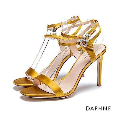 達芙妮DAPHNE 涼鞋-水鑽環扣一字緞面高跟涼鞋-黃