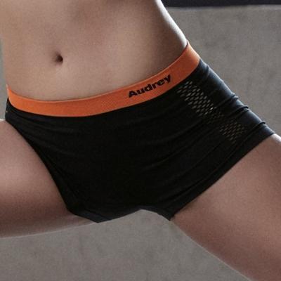 推Audrey-就是愛運動 中腰平口褲(伸展黑)