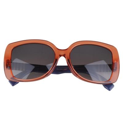 FENDI 經典金屬LOGO字樣邊架太陽眼鏡(琥珀)