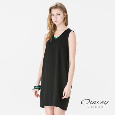 OUWEY歐薇 簡約V領跳色露肩洋裝(黑)