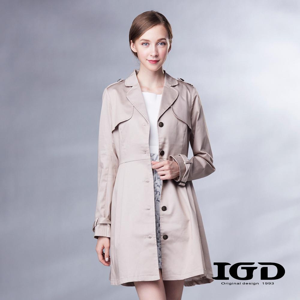 IGD英格麗 立體抓摺長版風衣外套-卡其