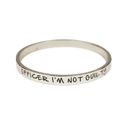 ETTIKA Officer I m Not Guilty 銀色文字手環