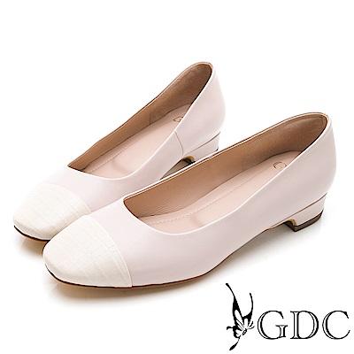 GDC-知性紋路拼接低跟包鞋-粉色