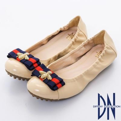 DN 典雅輕熟 金屬蜜蜂蝴蝶結柔軟平底鞋-卡其