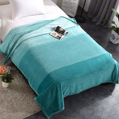HOYACASA恬靜綠 法蘭絨四季舒柔包邊毯