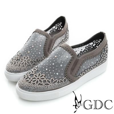 GDC-舒適花型水鑽絨布真皮懶人休閒鞋-槍灰色