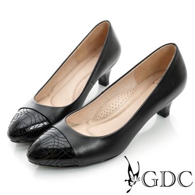 GDC典雅-縫線造型拼接真皮低跟鞋-黑色