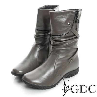 GDC個性-抓皺造型反摺拉鍊真皮中筒靴-卡其色