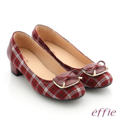 effie 個性美型 真皮蝴蝶結飾釦格紋低跟鞋 暗紅色