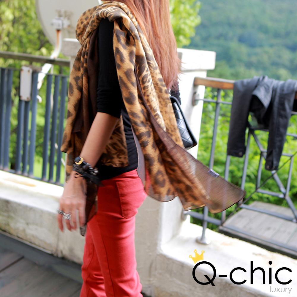 【Q-chic】時尚豹紋造型寬版圍巾 (共二色)