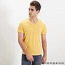 GIORDANO 男裝棉質V領素色短袖T恤-35 雪花水仙花黃