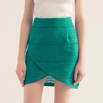 AIR SPACE 交叉燒花鏤空氣質短裙(綠)