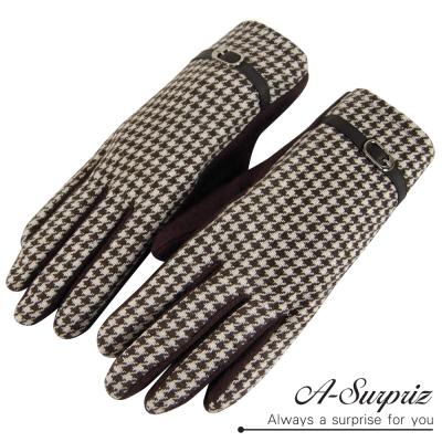 A-Surpriz 時尚皮革扣環千鳥格紋羊毛手套(咖)