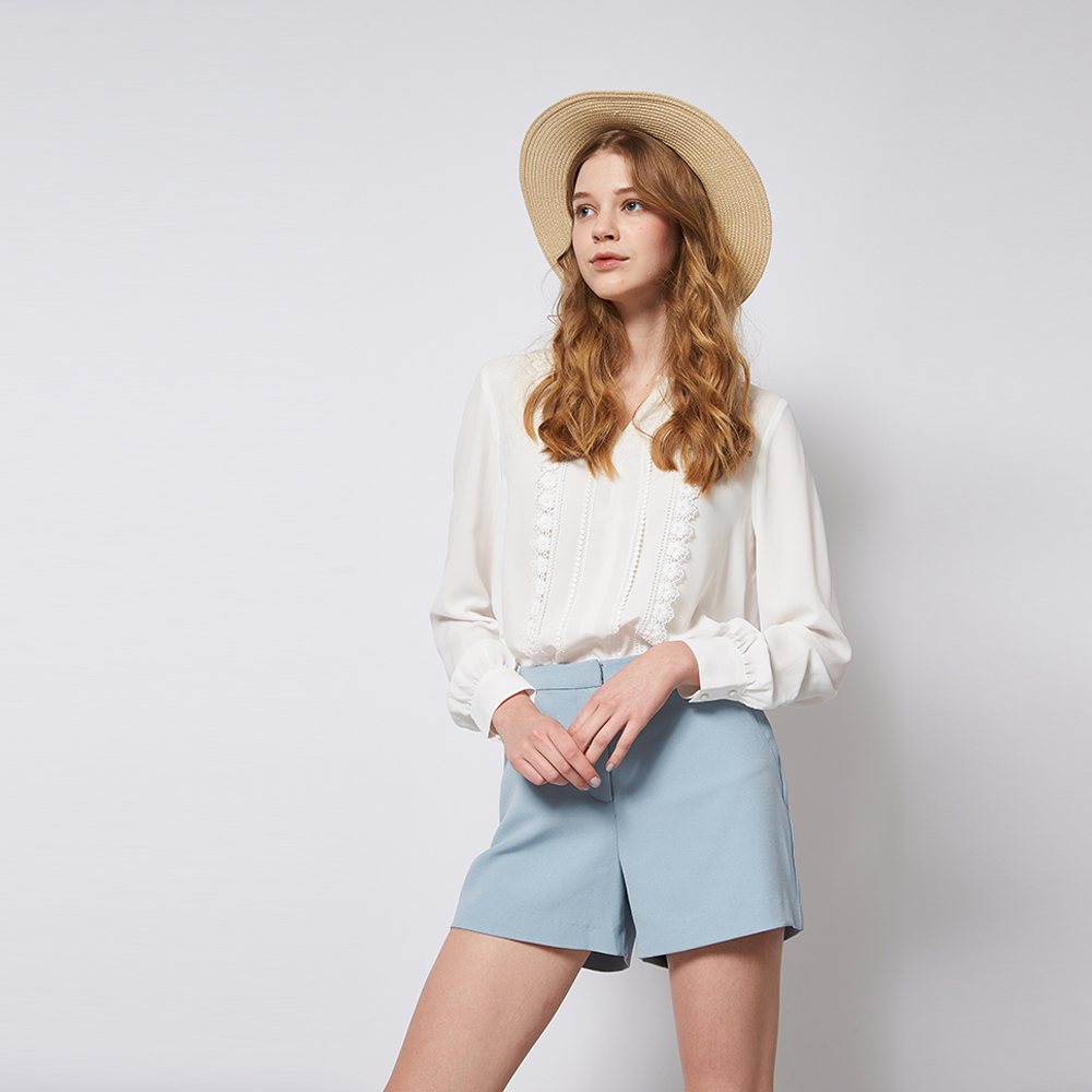 Chaber巧帛 簡約時尚素面百搭粉藍造型短褲
