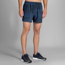 BROOKS 男 慢跑短褲 5吋 海灣藍/黑條紋(210824483)