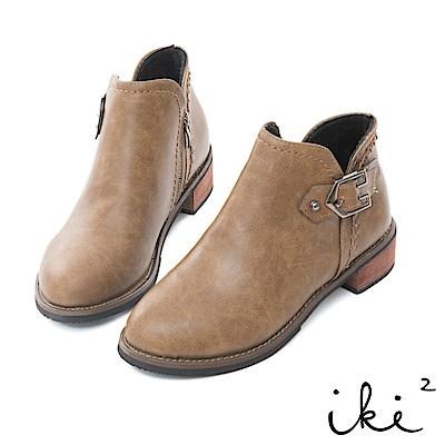 iki2 個性單扣造型後編織粗跟短靴-褐
