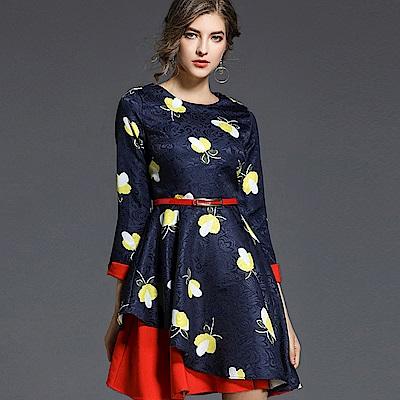 ABELLA 艾貝拉 螢火蟲印花亮面不規則層次皮帶洋裝(M-2XL)