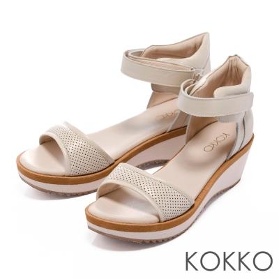 KOKKO輕量耐走超輕盈牛皮運動風厚底涼鞋