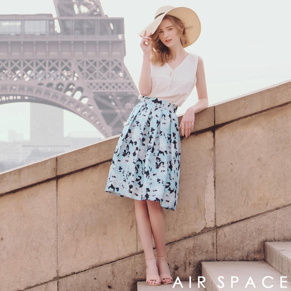 AIR SPACE 聯名渲染花朵打褶傘襬及膝裙(藍)