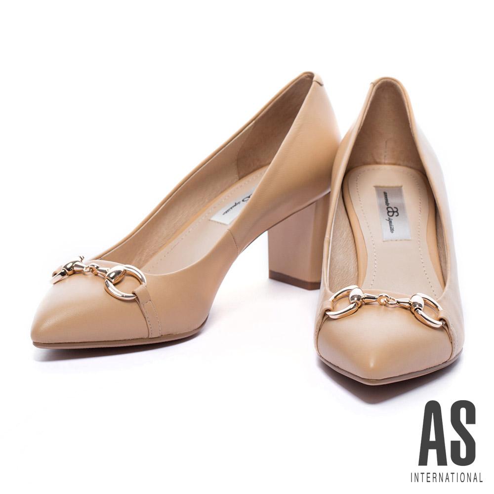 粗跟鞋 AS 金屬釦環羊皮尖頭粗跟鞋-米