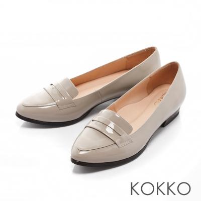 KOKKO-時髦潮流尖頭爵士樂福真皮跟鞋-淡灰