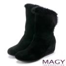 MAGY 柔軟暖呼呼 2WAY絨布內增高長毛內增高短靴-黑色