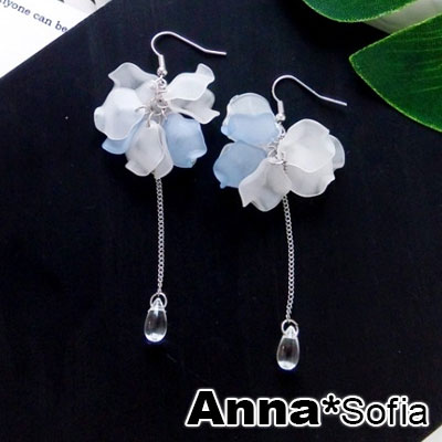 AnnaSofia 霧透層雙色花瓣 大型耳針耳環(藍白系)