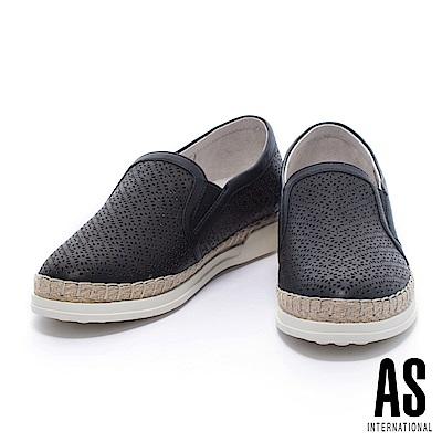 休閒鞋 AS 獨特魅力沖孔設計全真皮草編厚底休閒鞋-黑