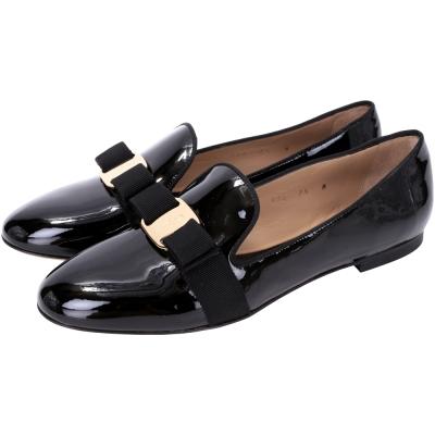 Salvatore Ferragamo SCOTTY 漆皮蝴蝶結平底鞋(黑色)