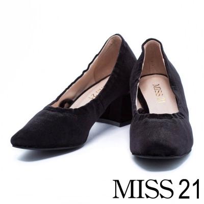 跟鞋 MISS 21 復古絨布金色飾片點綴綁帶粗跟鞋-黑