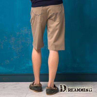 Dreamming 親膚百搭皮標繡線伸縮休閒短褲-卡其