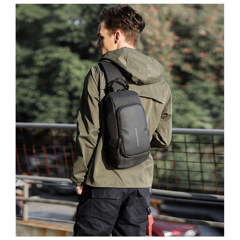 leaper時尚休閒USB充電單肩包胸包 共2色