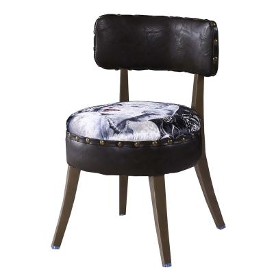AT HOME-瑪麗蓮鉚釘皮餐椅