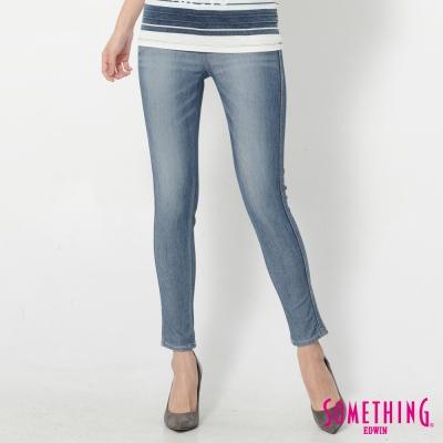 SOMETHING LADIVA 合身窄直筒牛仔褲-女-石洗藍