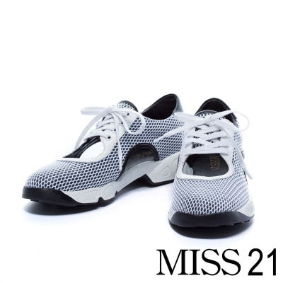 休閒鞋 MISS 21 運動潮流科技感簍空綁帶休閒鞋-白
