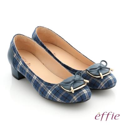 effie 個性美型 真皮蝴蝶結飾釦格紋低跟鞋 深藍色