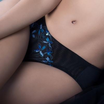 黛安芬-艾聖思綠意之洲系列平口內褲 M-EL(秘境純黑)